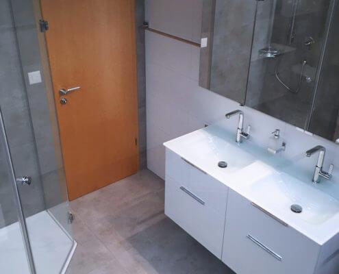 Badezimmer: Klein, Doch Gut Genutzt. | Sanitärstudio Albbruck